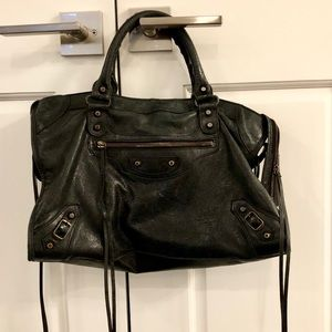 Balenciaga Classic City Bag in Black